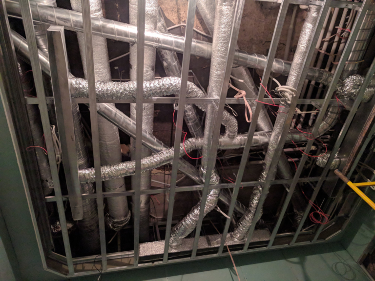 монтаж воздуховодов системы вентиляции и кондиционирования магазина бутика, г.Киев Украина