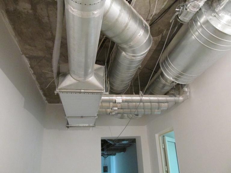 монтаж воздуховодов системы вентиляции с рекуперацией в коттедже, г Киев