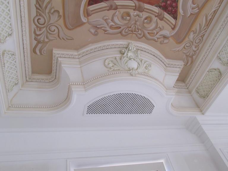 монтаж декоративной решетки системы вентиляции в коттедже, г Киев