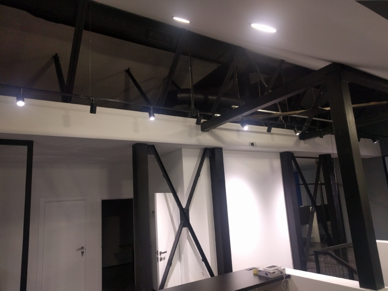 монтаж оборудования системы кондиционирования в офисе, г Киев