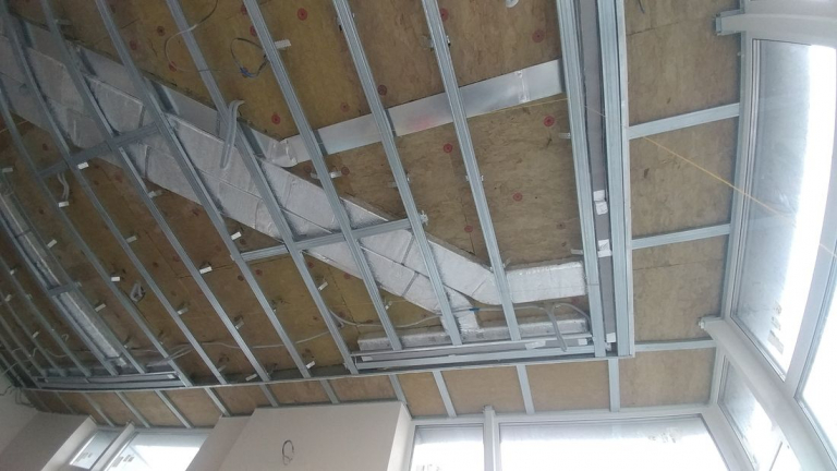 Воздуховоды под потолком