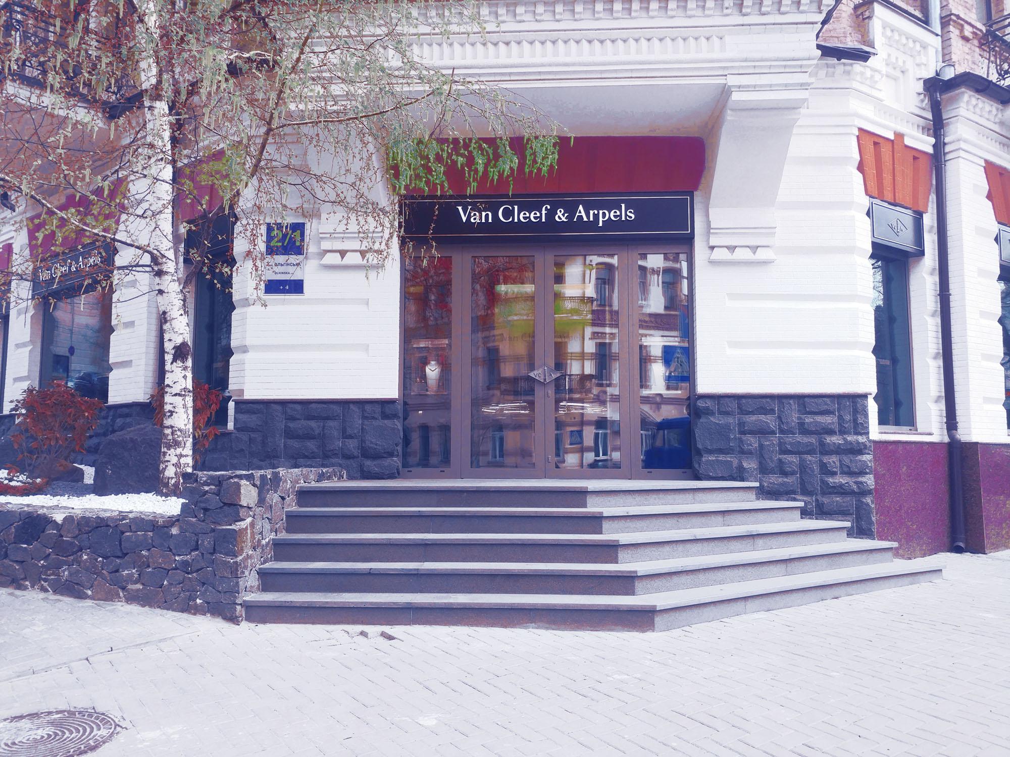монтаж системы вентиляции и кондиционирования магазина бутика, г.Киев Украина