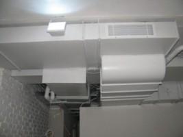 монтаж воздуховодов в офисе, открытые потолки, г.Киев, Украина
