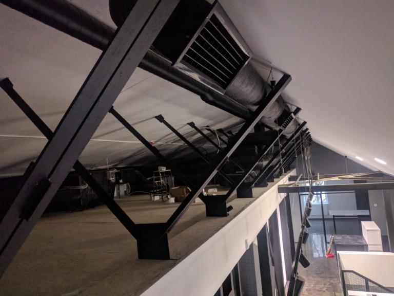 Воздуховоды на потолке